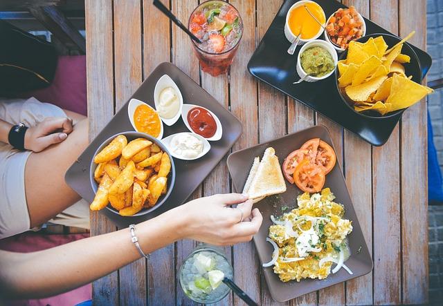 stravování ve venkovních prostorách
